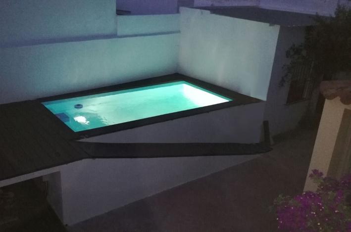 Piscina prefabricada poliester luna tienda online for Mini piscinas prefabricadas