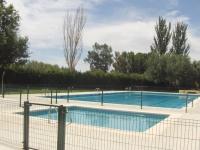 Valla piscina lacada con puerta
