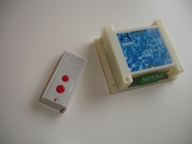 Controlador con mando a distancia para focos de piscinas