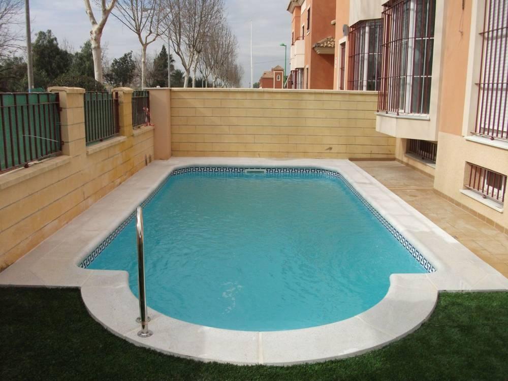 Piscina poliester precio andromeda 2 tienda online for Liquidacion piscinas desmontables