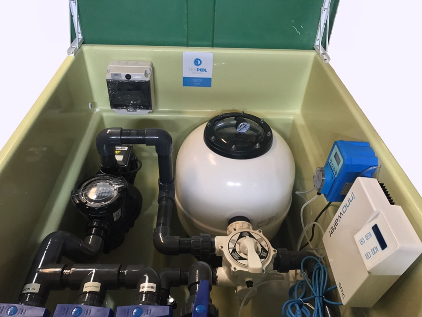 Depuradora piscina con caseta y clorador salino ph 80 m3 for Caseta depuradora piscina
